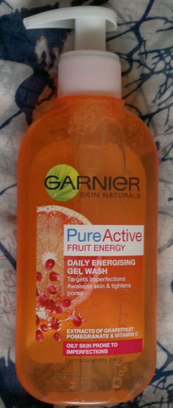 Garnier Pure Active Fruit Energy Daily Energising Face Wash