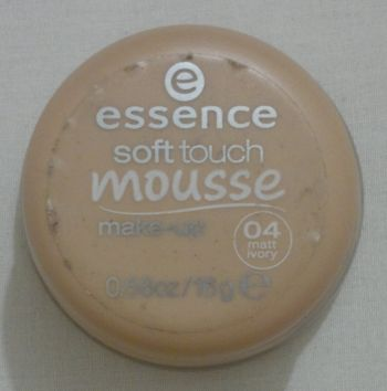 Essence Mousse MakeUp