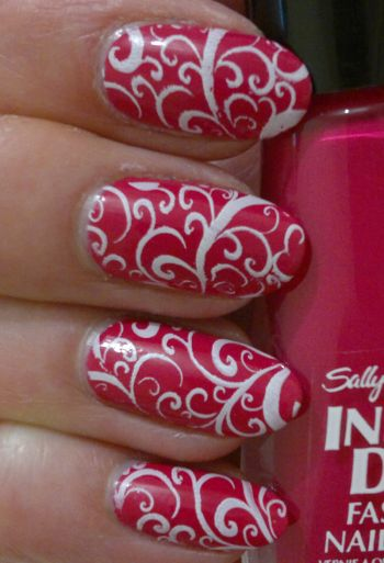 Sally Hansen Magenta Moves Pueen 74